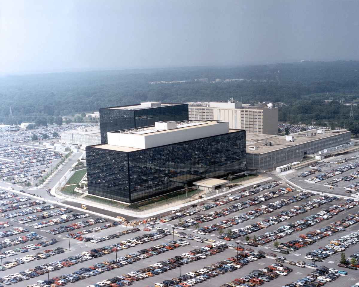 Patente Der National Security Agency Fiber Optic Circuit Boards And Integrated Circuits Google Patents Die Nsa